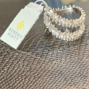 NWT Kendra Scott Beck Wrap Ring, silver, size 6.